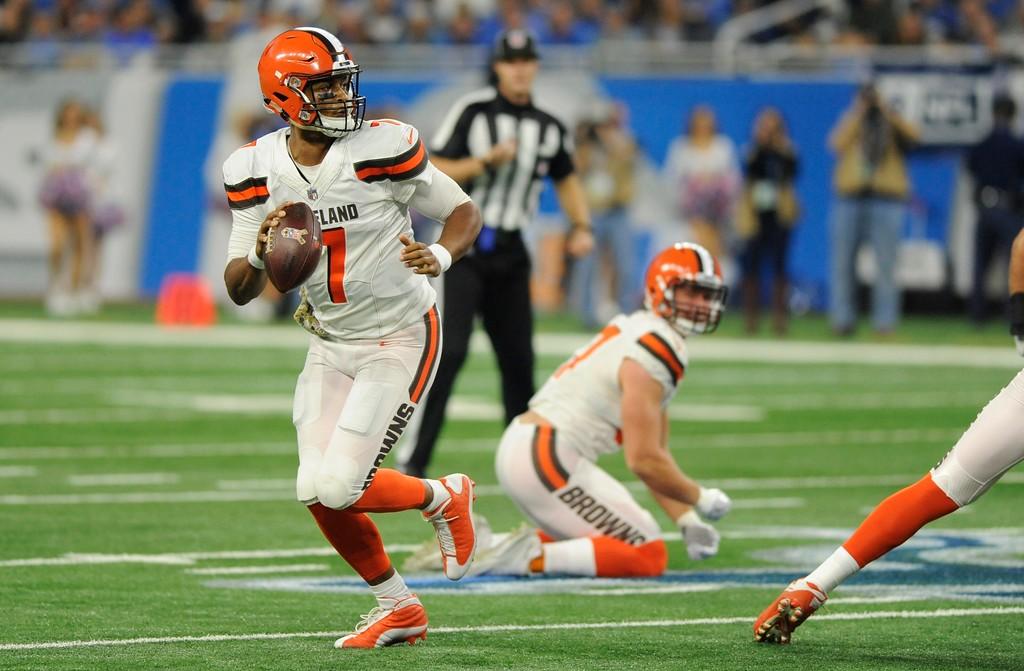 . Cleveland Browns quarterback DeShone Kizer (7) scrambles during the first half of an NFL football game against the Detroit Lions, Sunday, Nov. 12, 2017, in Detroit. (AP Photo/Jose Juarez)