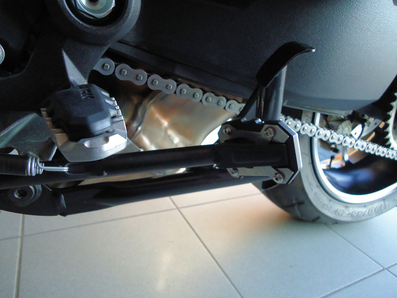 4/5 Touratech  side stand base / foot extension kit for the Ducati Multistrada 1200 Photos by Belgian Multistrada 1200 owner 'Remus79 (aka Remi)