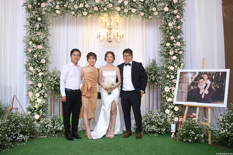 Vy-Cuong-wedding-instant-print-photo-booth-in-Bien-Hoa-Chup-hinh-lay-lien-Tiec-cuoi-tai-Bien-Hoa-WefieBox-Photobooth-Vietnam-142.jpg