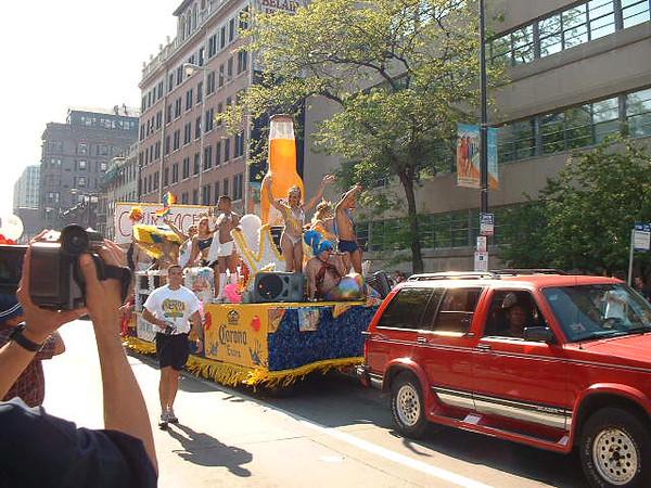 Pride Parade 2001-26.jpg