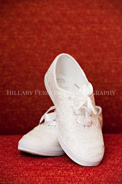 Hillary_Ferguson_Photography_Melinda+Derek_Getting_Ready012.jpg