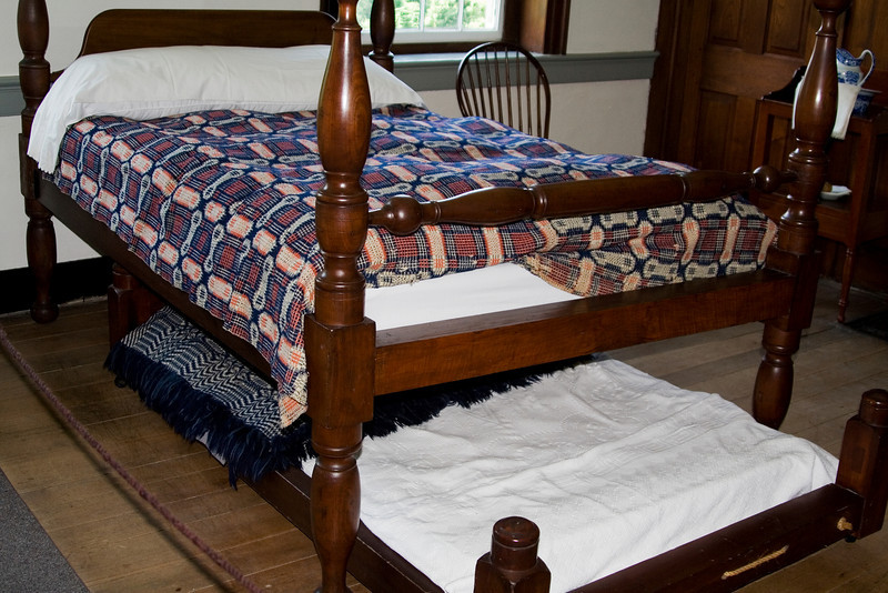 Trundle Guest Bed.jpg