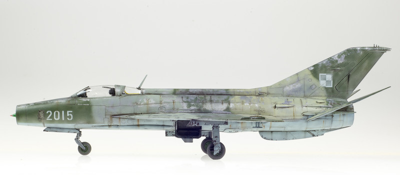 Trumpeter MiG-21F-13 04-27-14-3.jpg