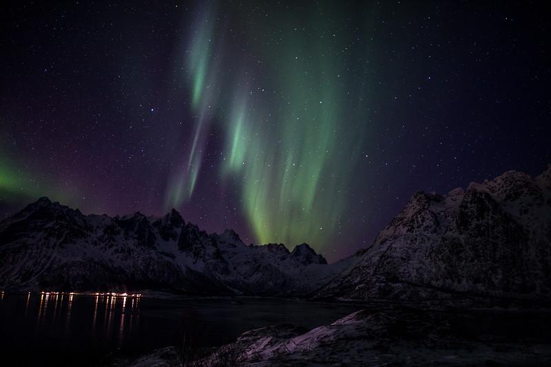 Feb2118   Aurora beyond Svolvear-11.jpg