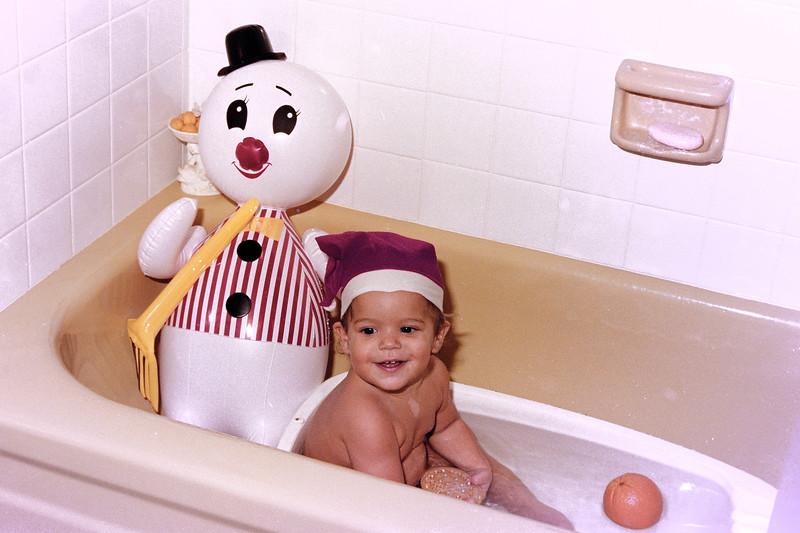 1975-12-25 #14 Anthony's 1st Christmas.jpg