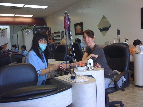 2009 04 24 - Michele gets her nails done.