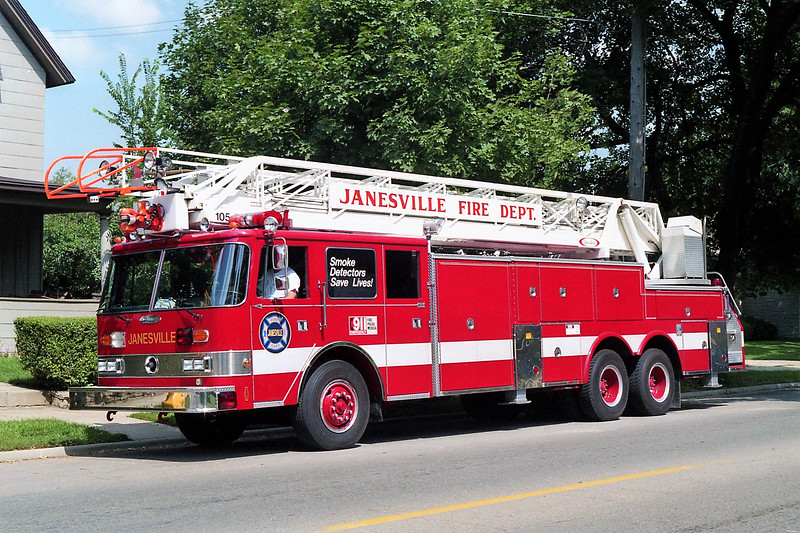JANESVILLE  LADDER  PIERCE ARROW.jpg