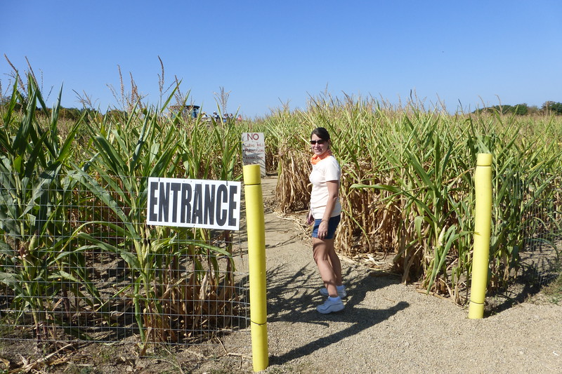 The beginning of the Corn Maze. Diane looks worried.
