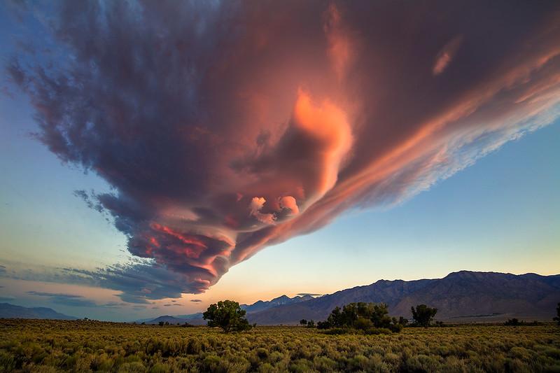 Lenticular_Cloud_Eastern_Sierra_Owens_Valley_T6A0403.jpg