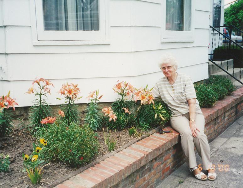 Eileen Sullivan (6-18-2000).jpg