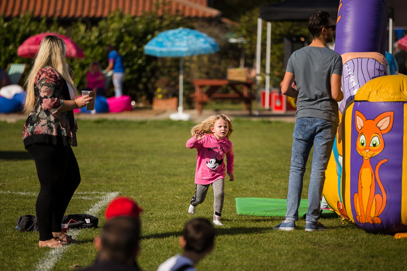 bensavellphotography_lloyds_clinical_homecare_family_fun_day_event_photography (261 of 405).jpg