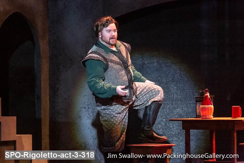 SPO-Rigoletto-act-3-318.jpg