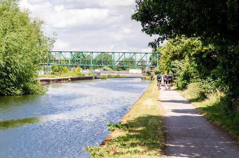 Cycling on the River Lee Navigation
