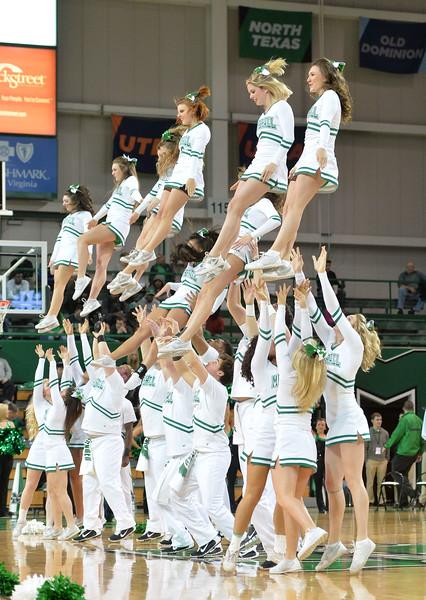 cheerleaders0115.jpg