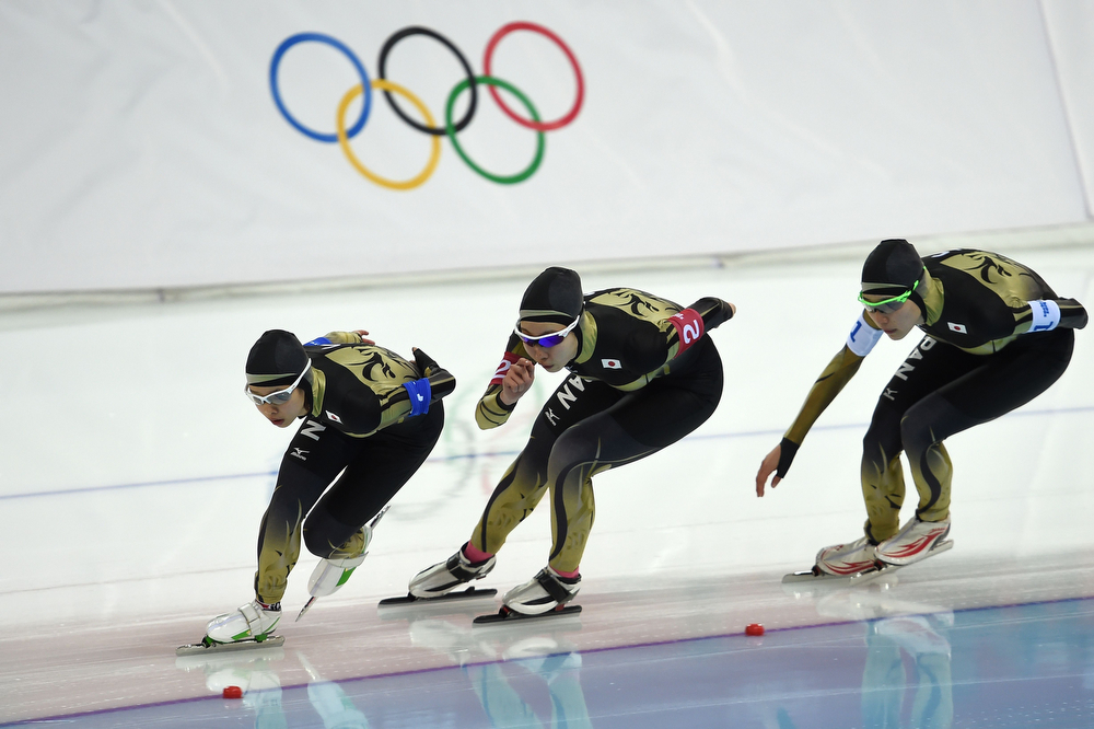. (From L) Japan\'s Nana Takagi, Japan\'s Misaki Oshigiri and Japan\'s Ayaka Kikuchi compete in the Women\'s Speed Skating Team Pursuit Semifinals at the Adler Arena during the Sochi Winter Olympics on February 22, 2014. (DAMIEN MEYER/AFP/Getty Images)