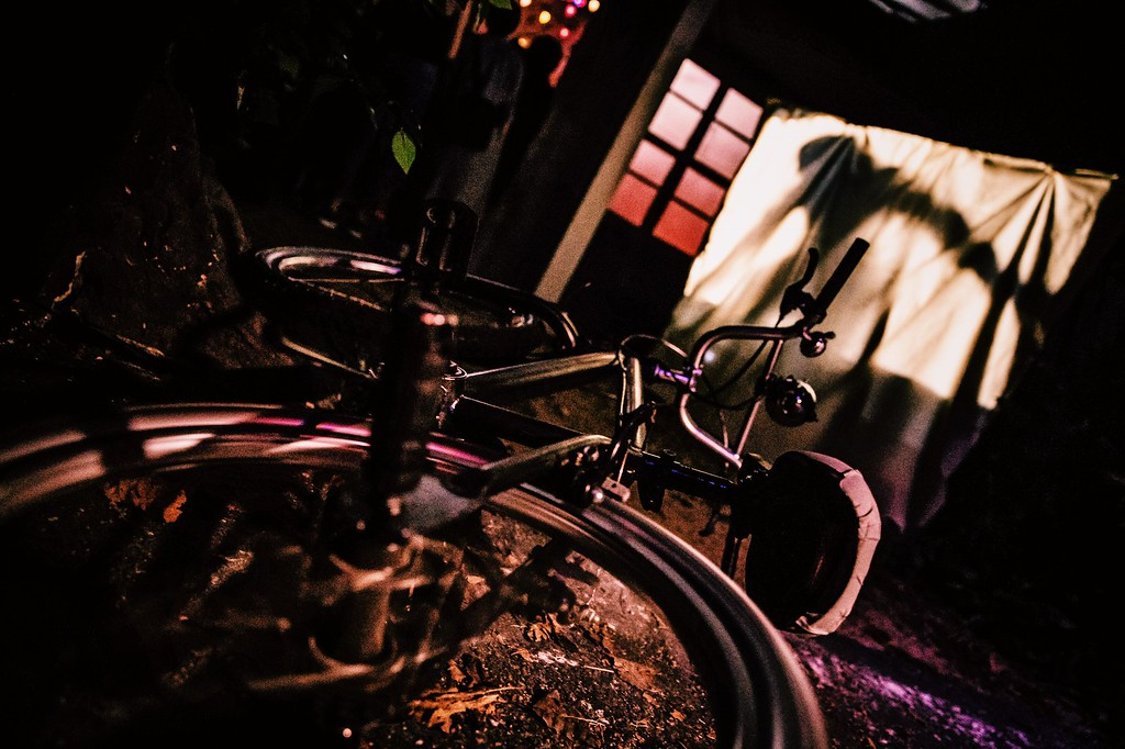 USS Halloween Horror Nights 8 Stranger Things haunted house maze PREVIEW Bicycle