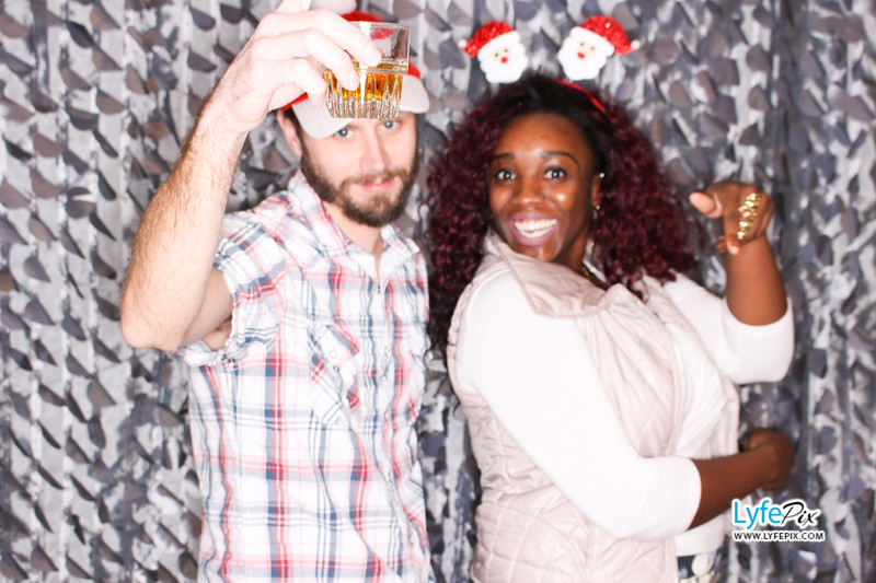 red-hawk-2017-holiday-party-beltsville-maryland-sheraton-photo-booth-0135.jpg