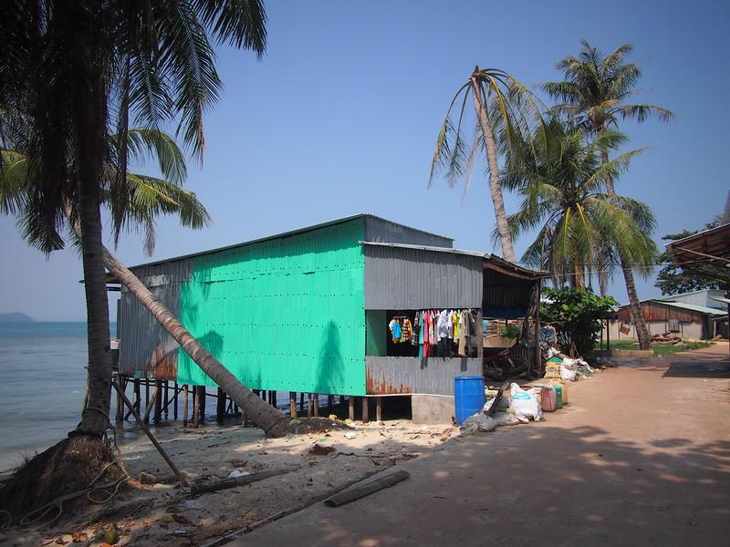 P1317305-ganh-dau-fishing-home.JPG