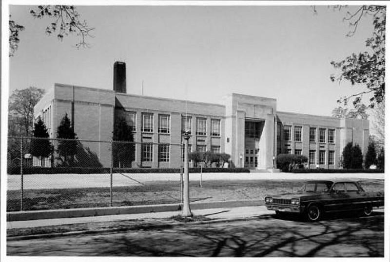 Leal Elementary School