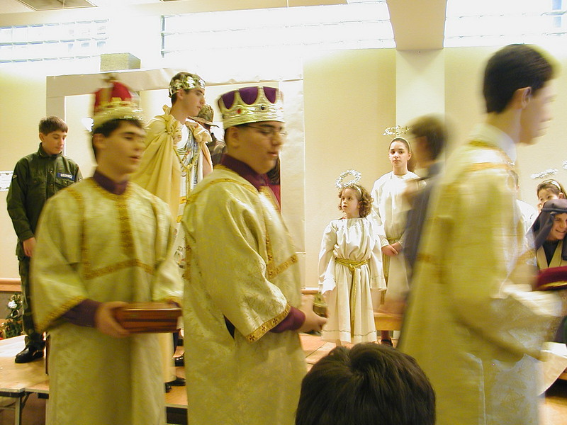 2002-12-21-HT-Christmas-Pageant_140.jpg