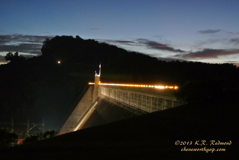 Norris Dam in Twilight_10237585315_o.jpg