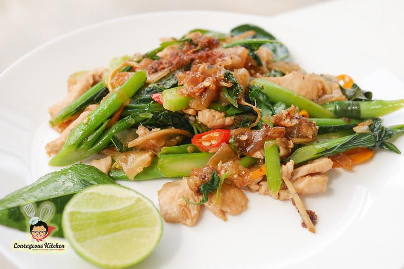 drunken noodle thai recipe-3.jpg