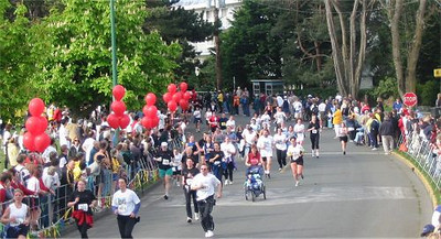 2003 Times-Colonist 10K - Around the final corner