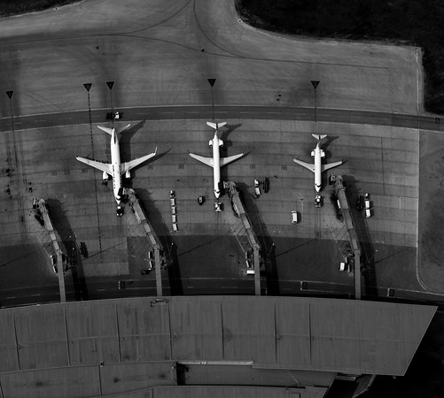 DAVID LIPNOWSKI / WINNIPEG FREE PRESS  Airplanes at Winnipeg James Armstrong Richardson International Airport  Aerial photography over Winnipeg May 18, 2016 shot from STARS helicopter.