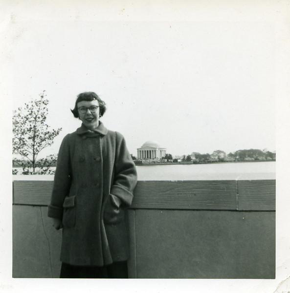 1954_0037.jpg