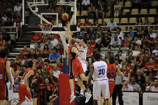 Perth Wildcats vs 36ERS 19/12/2009
