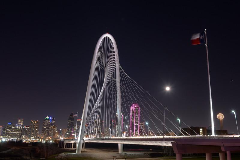 2015-02-06 Dallas Skyline Nighttime 001.jpg