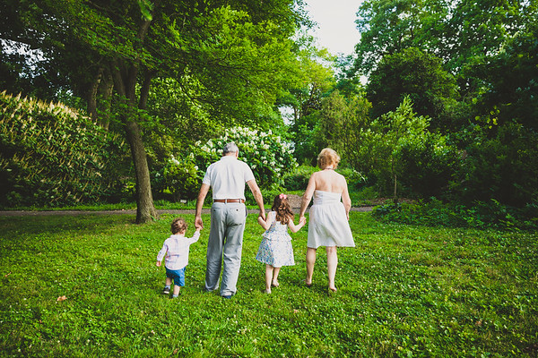 Defino Family Photos   Bartram's Garden   06.09.2019
