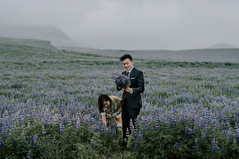 Tu-Nguyen-Destination-Wedding-Photographer-Iceland-Elopement-Fjaðrárgljúfur-16-150a-11.jpg