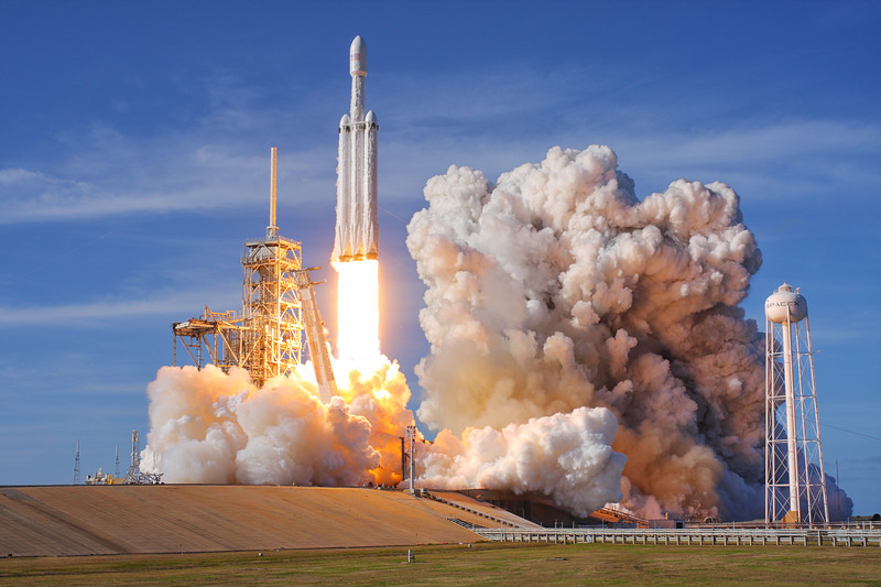 "<a href=""https://www.mikedeep.com/Rockets/Falcon-Heavy-Demo"">Falcon Heavy Demonstration Flight</a>"