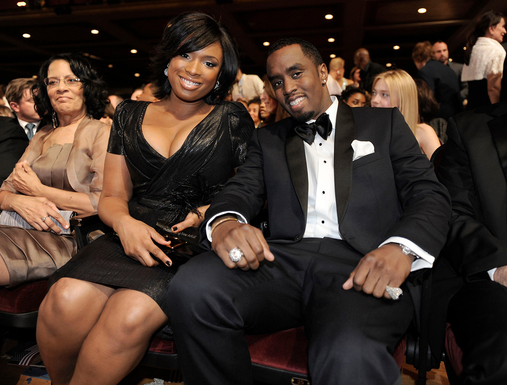 ". Jennifer Hudson, left, and Sean ""Diddy\"" Combs are seen at the 40th NAACP Image Awards on Thursday, Feb. 12, 2009,in Los Angeles.  (AP Photo/Chris Pizzello)"