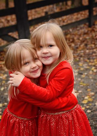 Madison & Abigail {holiday mini}