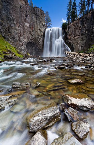 Rainbow Falls - Devils Postpile National Monument, CA
