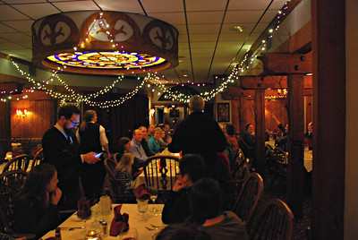 2017 02 03: Brink family Gathering, English Inn, pre-funeral supper