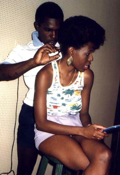 Rodney cutting Cindys hair.jpg
