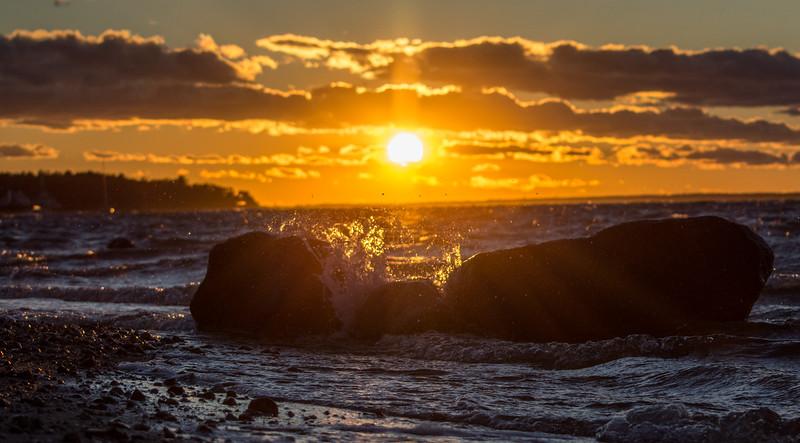 sunset rock splash-6455.jpg