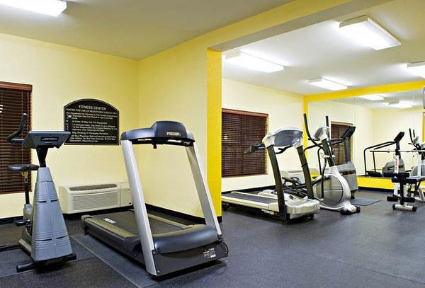 20-Fitness Center.jpg
