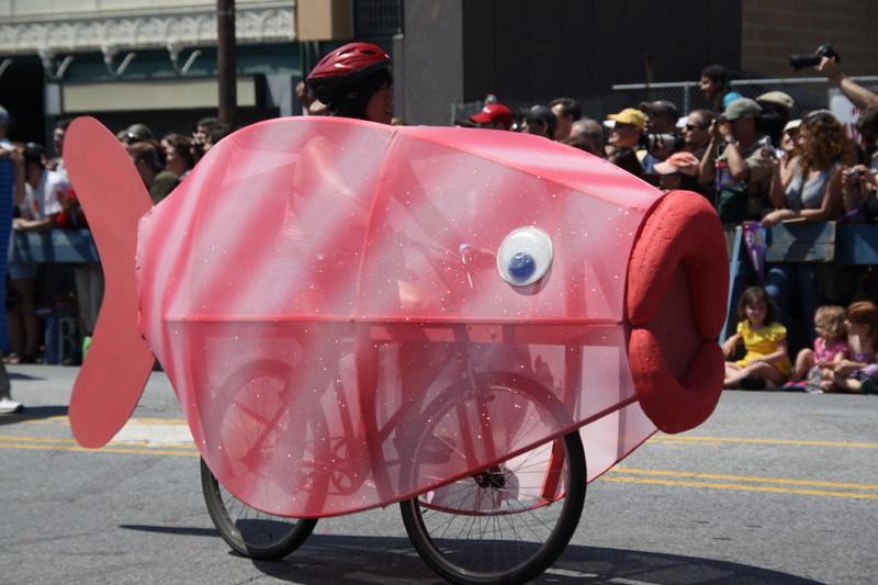 aMermaid Parade 2010  Flat Iron Bldg 033_16_1.jpg