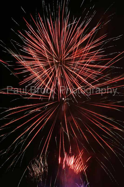 2007_1105roundwoodfireworks107_edited-1001.jpg
