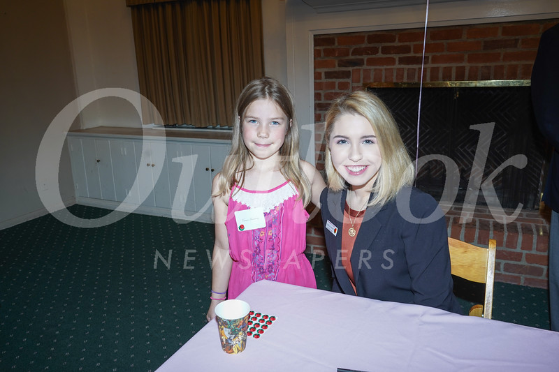 09346 Eleanor Thornberg and Queen Camille Kennedy.jpg