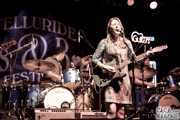 Derek Trucks and Susan Tedeschi Band-10.jpg