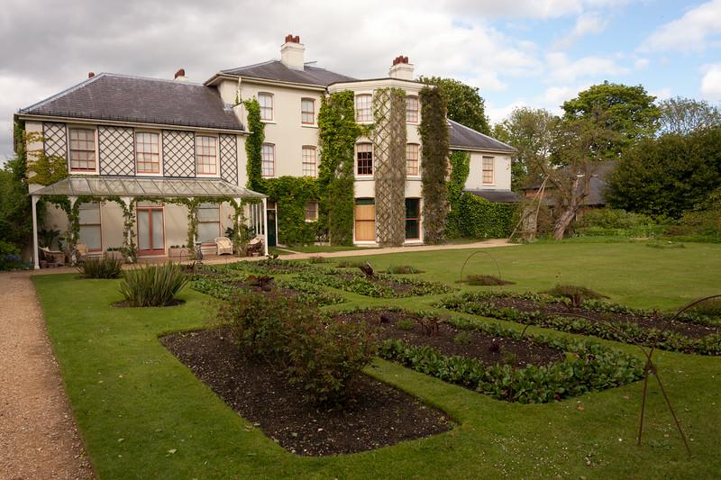Down House read garden