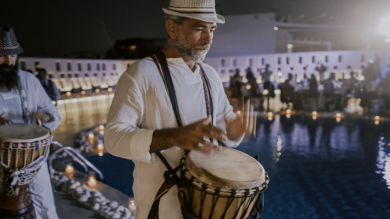 Tu-Nguyen-Destination-Wedding-Photographer-Santorini-Rocabella-Hotel-Euna-Ehsan-711.jpg