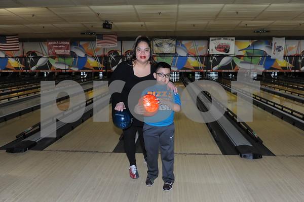 Southwest School Mother Son Bowling 3-4-17