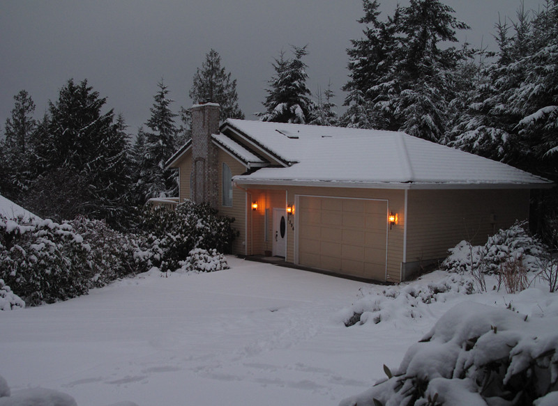 Day 2. First snow of 2012. Freeland, Whidbey Island. January 18, 2012