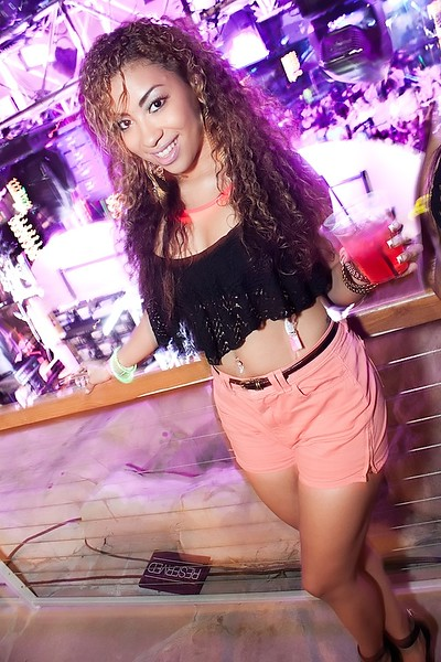 090112 Chris Brown @ Hard Rock Pool (30 of 103)_filtered.jpg